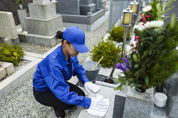 お墓の清掃・お墓参り代行